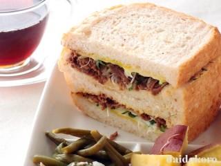 牛肉の佃煮とネギのサンドイッチ