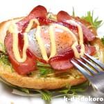 クロックマダム風オープンサンド 食パンに卵を乗せてオーブンで焼きました