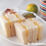 缶詰を使った手軽で美味しい桃のサンドイッチ