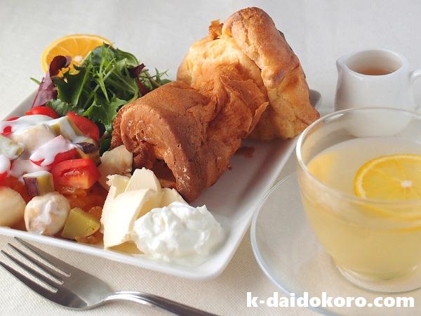 ポップオーバーの朝食