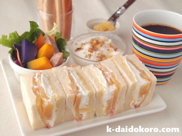 リンゴと焼き芋バタークリームのサンドイッチ