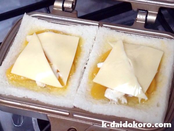 桃とモッツァレッラのホットサンドの作り方