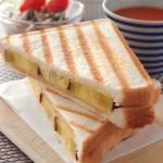 焼き芋のサンドイッチ (パニーニ) | Q・B・B大きいスライスチーズ