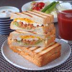 クリームチーズと鮭フレークのアンチエイジングホットサンド ~ アーラ クリームチーズ